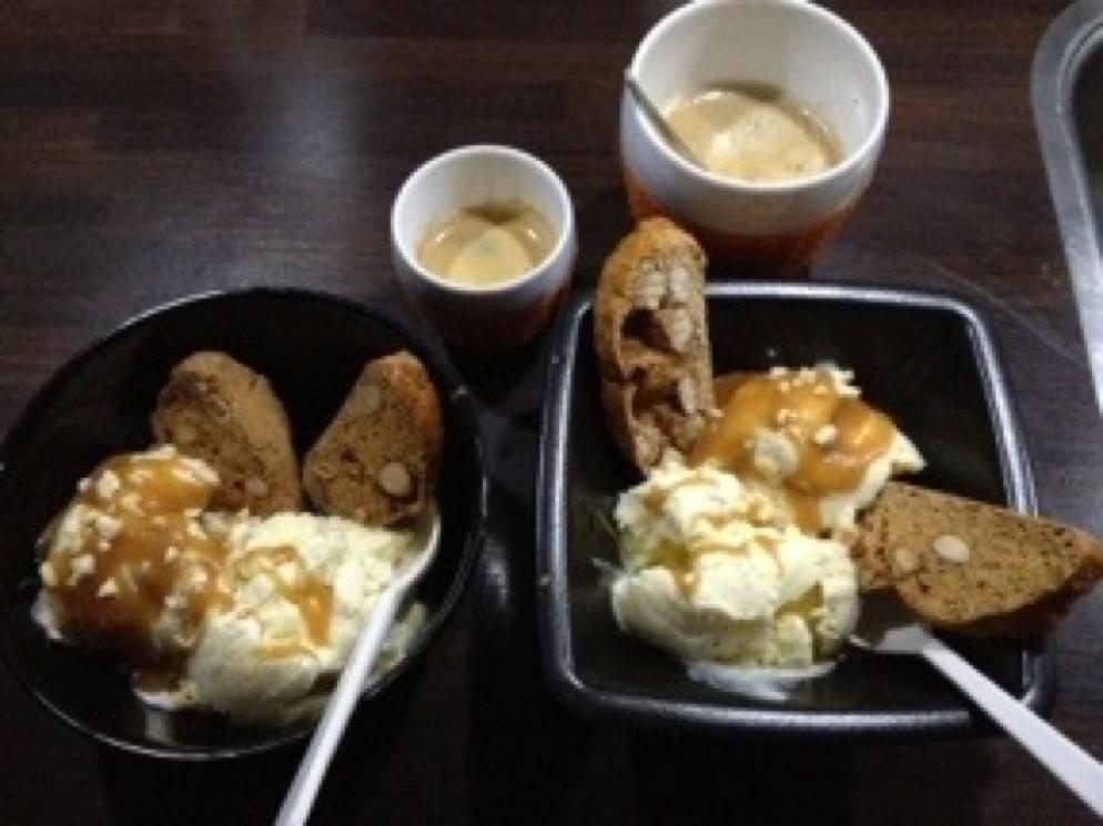 Vanille en amaretto ijs